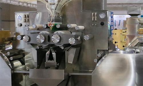 高需求催生好设备,三七超微粉碎机深受中药市场欢迎