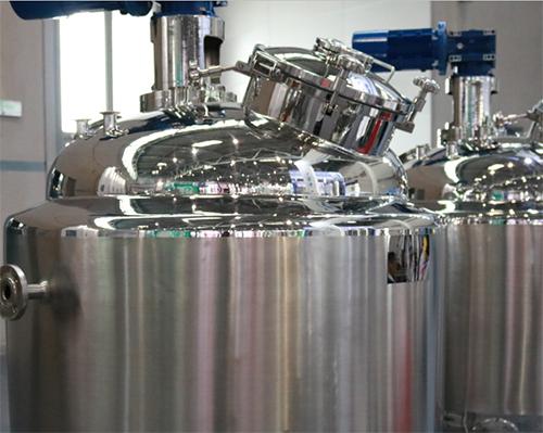 选择合?#23454;?#38149;炉除尘器,助推制药行业绿色发展